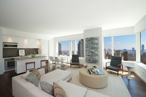 Picture Perfect 2 BR, 2BA + HUGE Private Terrace!